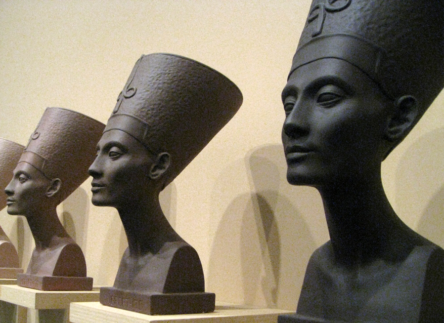 Fred Wilson: Were Ancient Egyptians Black, White or Brown? Discuss ...