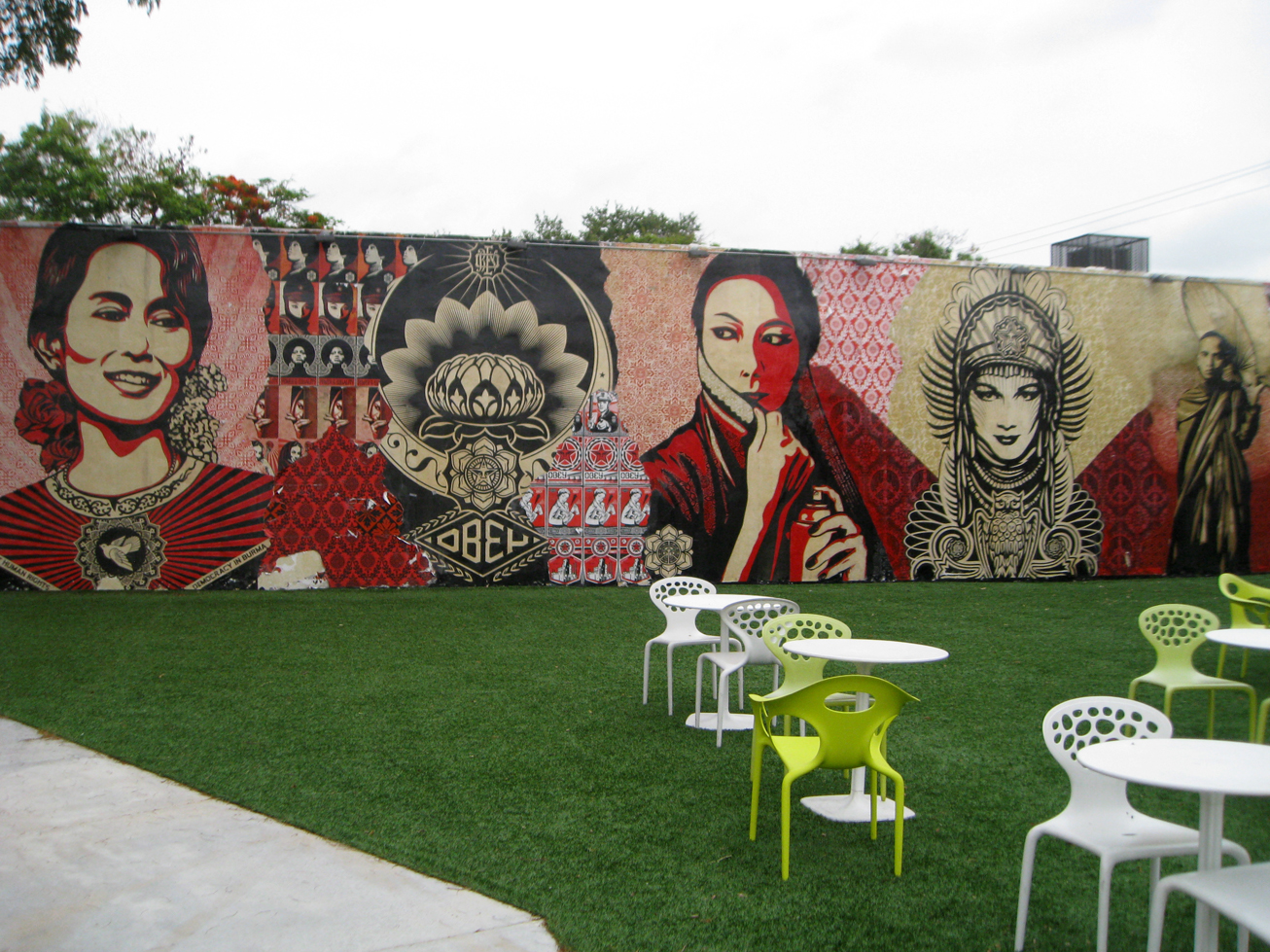 Wynwood walls an outdoor museum of murals arts observer for Best paint to use for outdoor mural